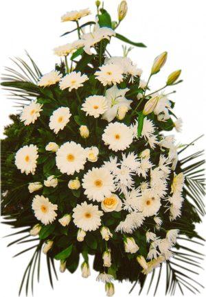 S venac beli gerber, bele ruže, beli ljiljani