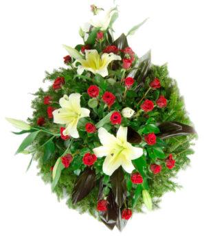 S venac crvene ruže, beli ljiljan